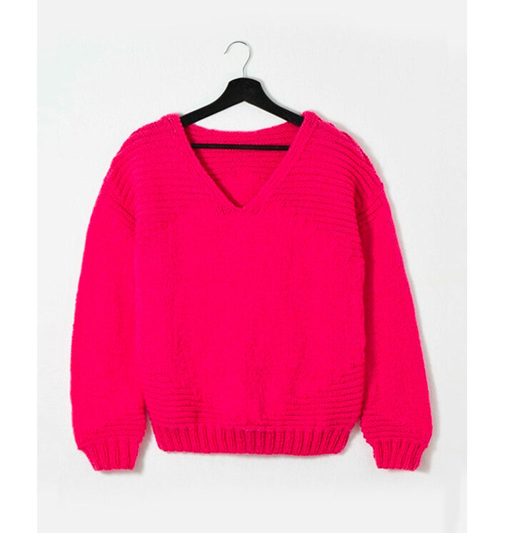 Modèle femme - Pull fuschia Pingo Wool