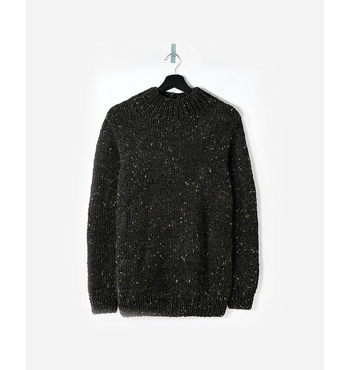 Modèle homme - Pull tweedé carbone