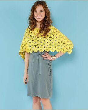 Modèle femme - Poncho ajouré jaune