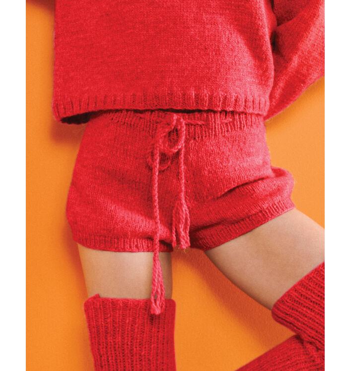 Modèle femme - Short rouge Liao