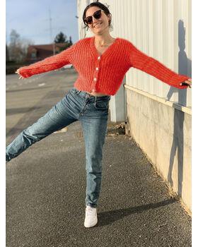 Modèle Femme - Gilet Léonie Rouge Orange